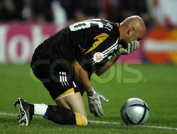 Fabien Barthez clutching his nose